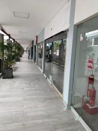 Alquiler de Local Comercial en Av. La Encalada - Surco